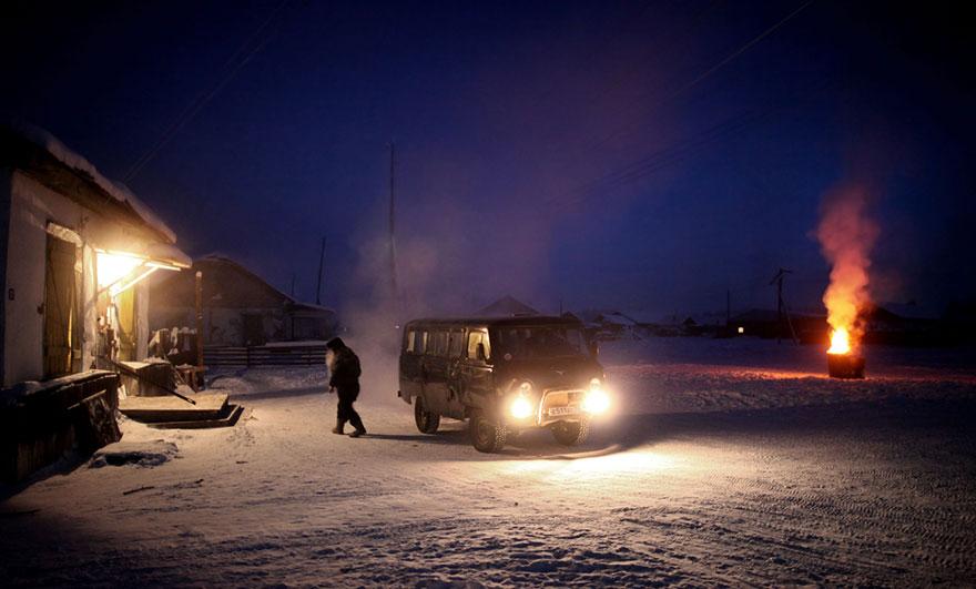 24 saat gece yaşayan köy